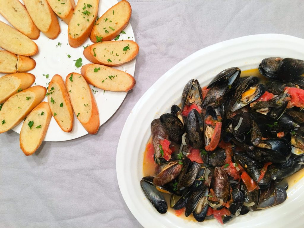 megs cucina white wine mussels